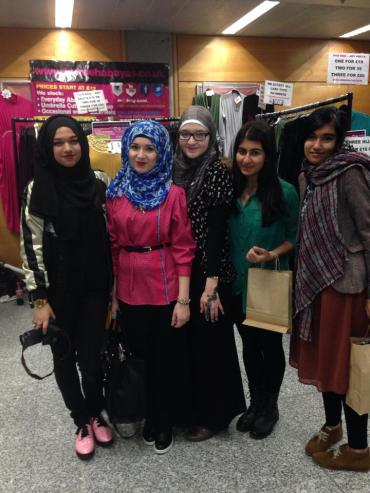 Nabiilabee and Saimasmileslike with some of our lovely freshers!